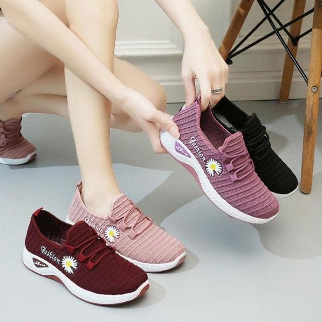 Giày thể thao nữ hoa cúc [Giày thời trang Nữ] Fashion thông hơi mềm êm