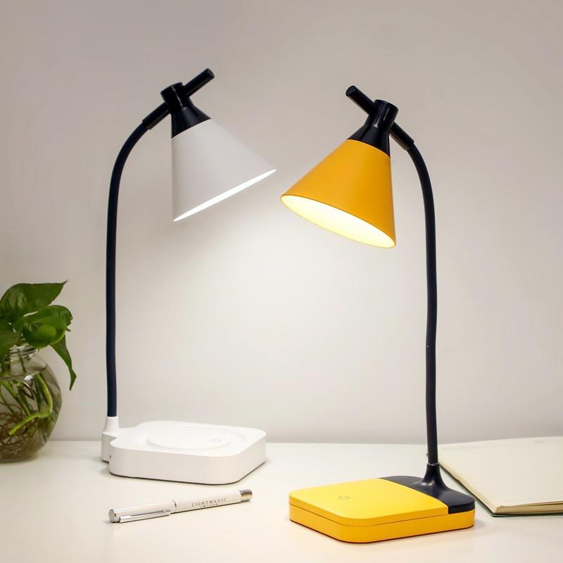 Đèn LED để bàn tích điện phong cách hiện đại, dùng đọc sách rất đẹp, dùng làm đèn Decor và có 3 chế độ sáng