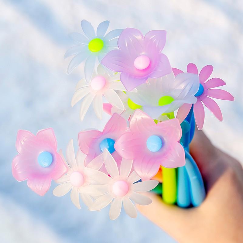 Bút hoa cỏ mùa xuân đổi màu