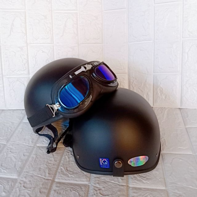 1 mũ bảo hiểm nửa đầu kèm kính phi công